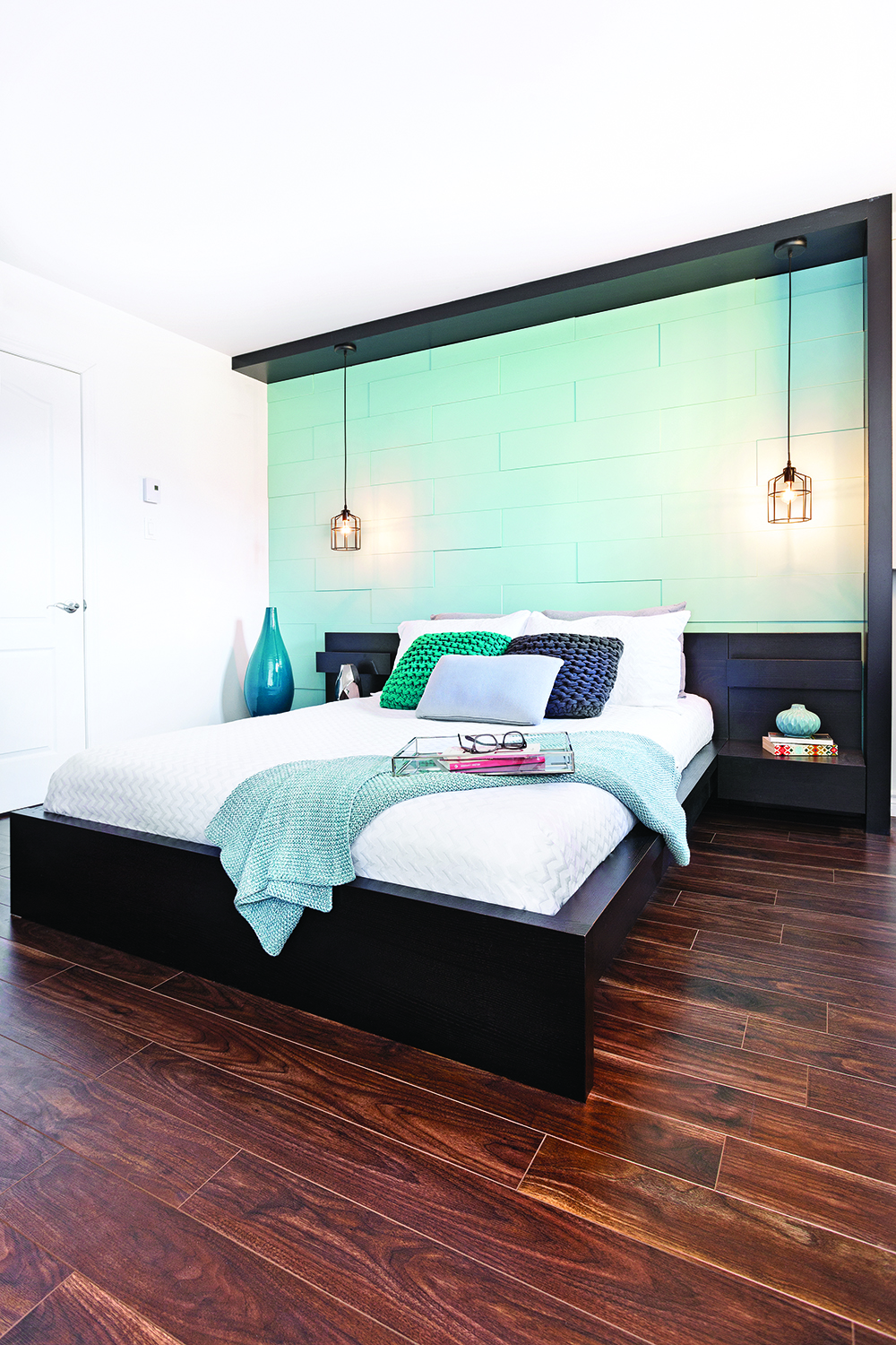 chambre coucher cr er un point focal de mani re originale mur design. Black Bedroom Furniture Sets. Home Design Ideas